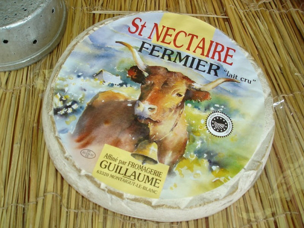 Kaeseladen online shop ST-NECTAIRE FERM. GUILLAUME 1.7KG X ** 1 ***